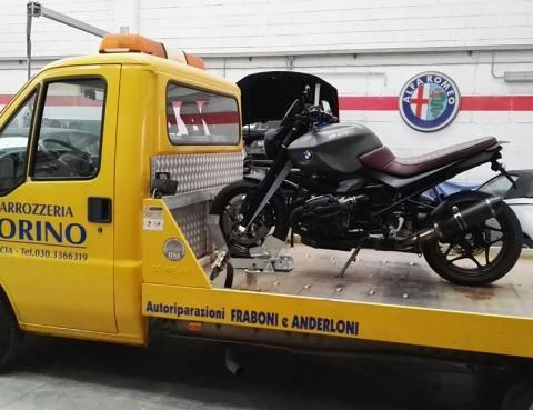 news-carroattrezzi-trasporto-moto-lato